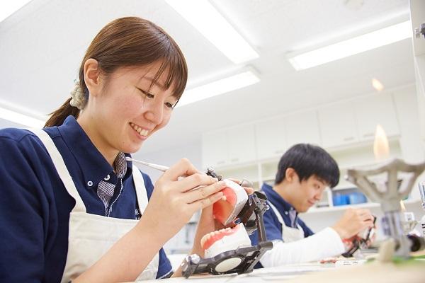 有床義歯技工学実習